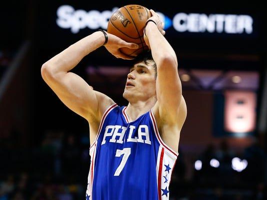 USP NBA: PHILADELPHIA 76ERS AT CHARLOTTE HORNETS S BKN USA NC