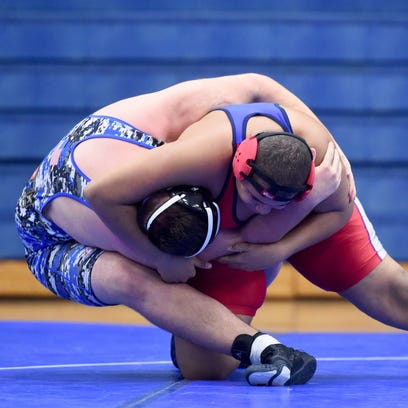 Wrestlers seek conference, state titles