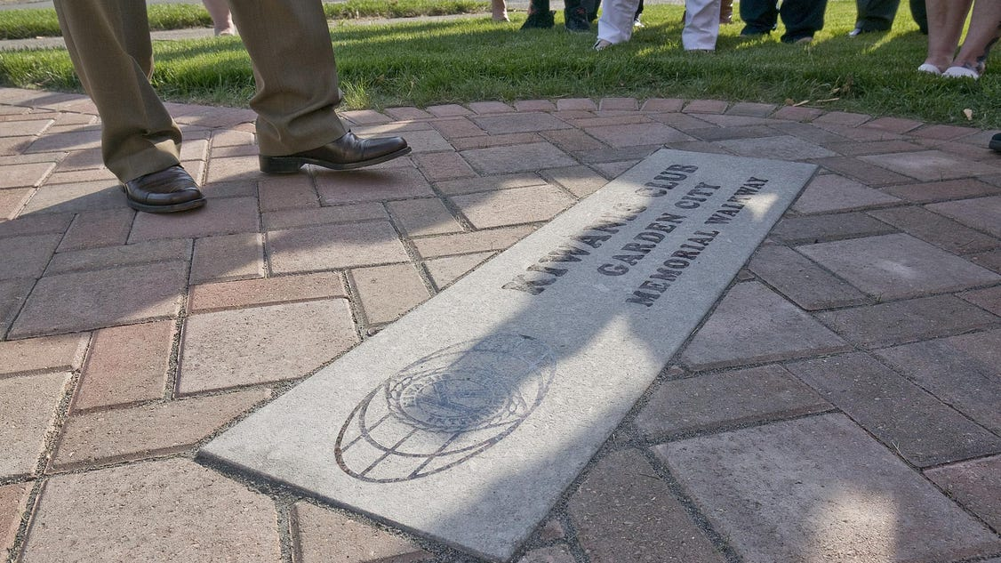 Garden City Kiwanis Dedicate Memorial Walkway