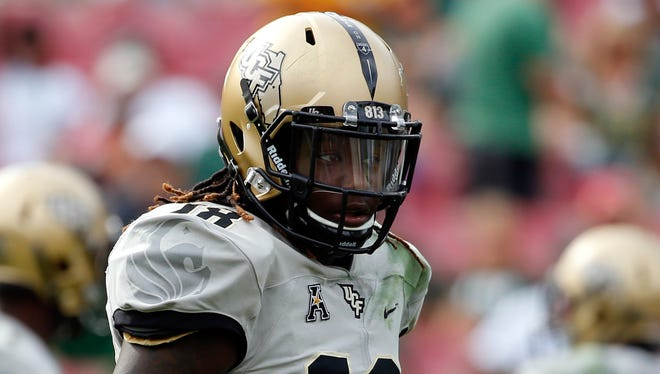 UCF Knights linebacker Shaquem Griffin (18) during the second half at Raymond James Stadium.