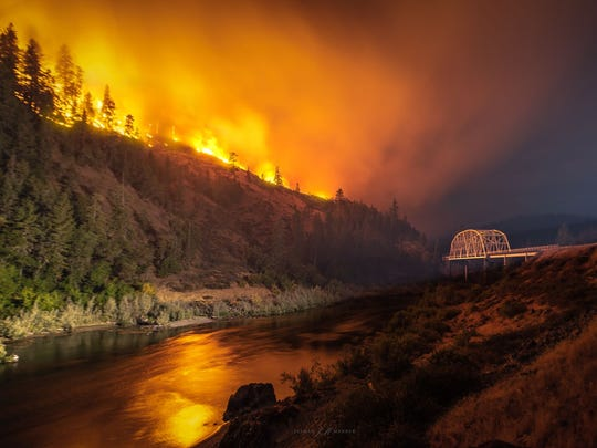 Views of the Taylor Creek Fire above the Rogue River