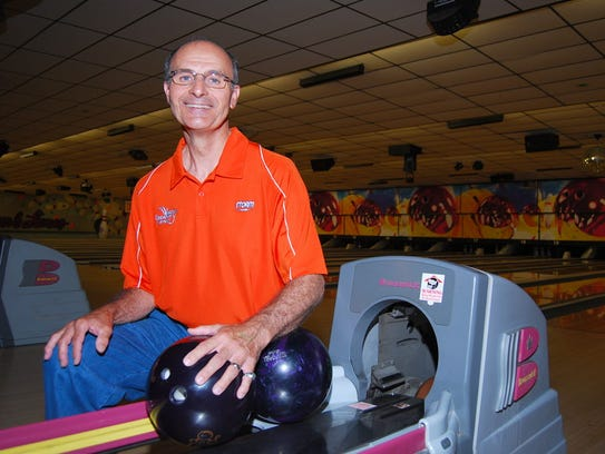 Don Smith has rolled 37 300 games over his career.