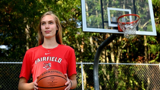 After a difficult recruiting process due to the coronavirus pandemic, Medway senior Lauren Beach recently committed to play Div. 1 basketball next year at Fairfield University.
