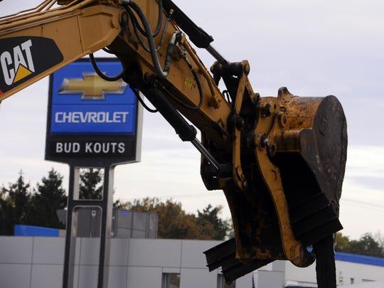 The former Bud Kouts Chevrolet (now Feldman) is getting