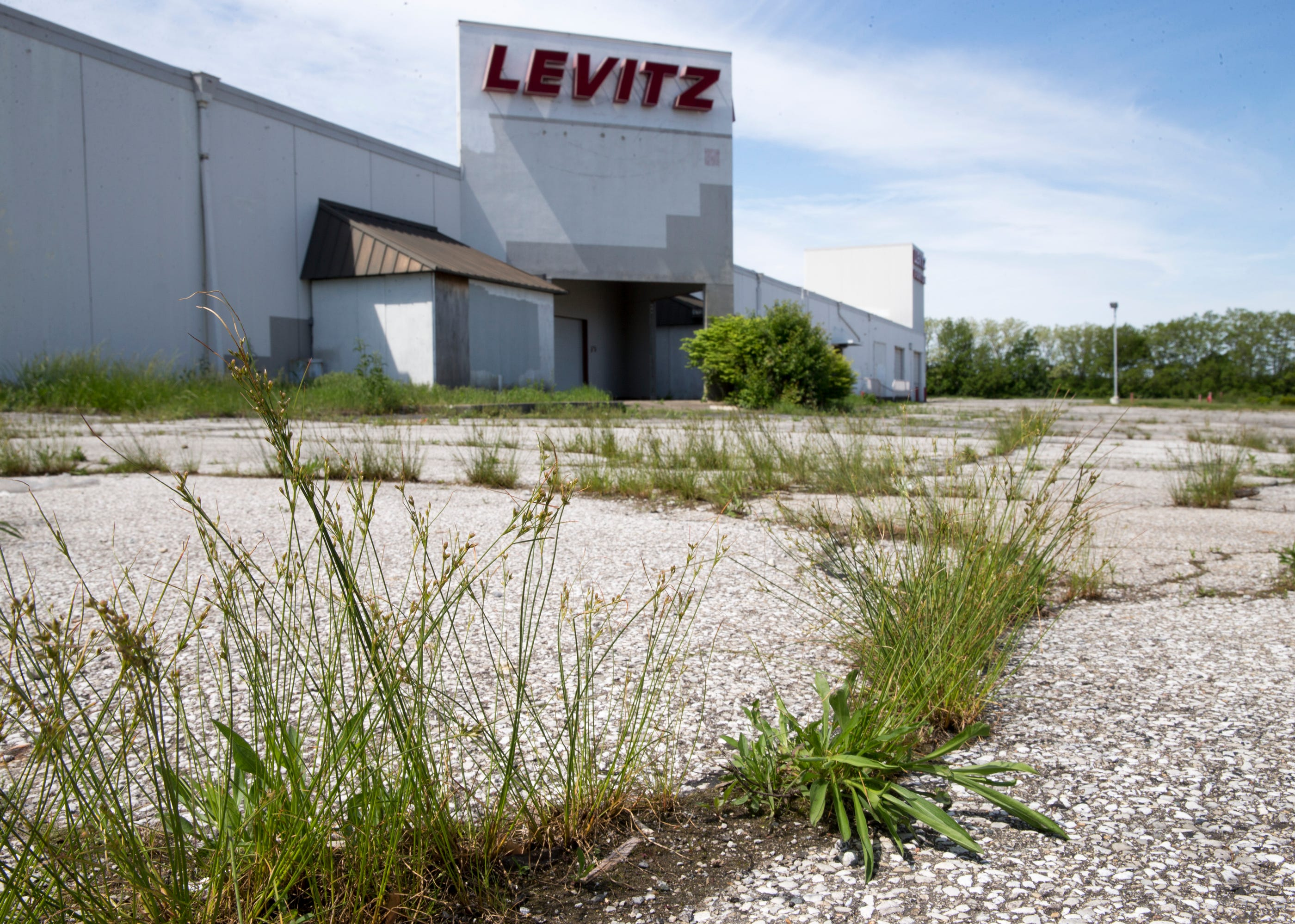 Bon Furniture Retailer RoomPlace Buys Levitz Building, Plans To Hire 120 Workers