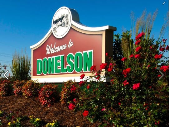 The gateway to Donelson sign sits off Lebanon Pike