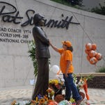 Christine Brennan: Pat Summitt a pioneer in women's athletics