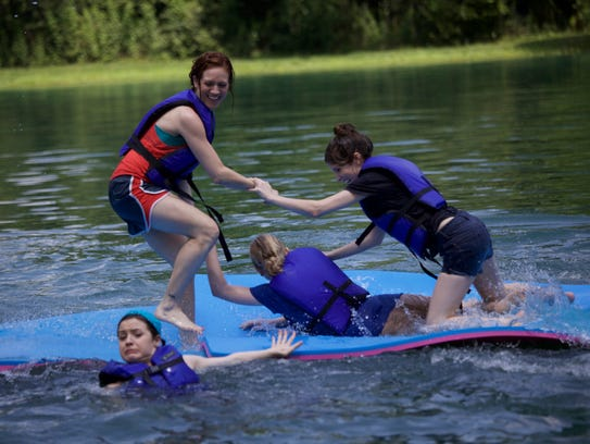 The Bellas struggle with water sports in 'Pitch Perfect