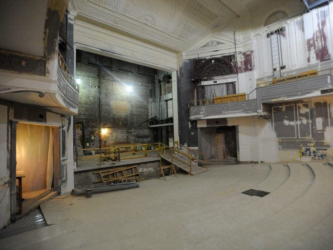 The rehabilitation of the Strand Theatre in Pontiac