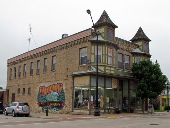 Murals freeze significant pieces of local history in
