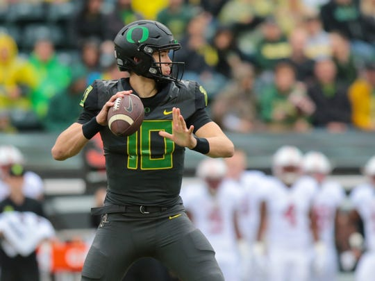 Nov 12, 2016; Eugene, OR, USA; Oregon Ducks quarterback Justin Herbert (10) looks to throw the ball in the first quarter against the Stanford Cardinal at Autzen Stadium. Mandatory Credit: Scott Olmos-USA TODAY Sports