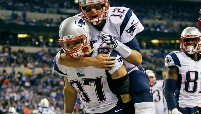 Patriots tight end Rob Gronkowski and quarterback Tom Brady.