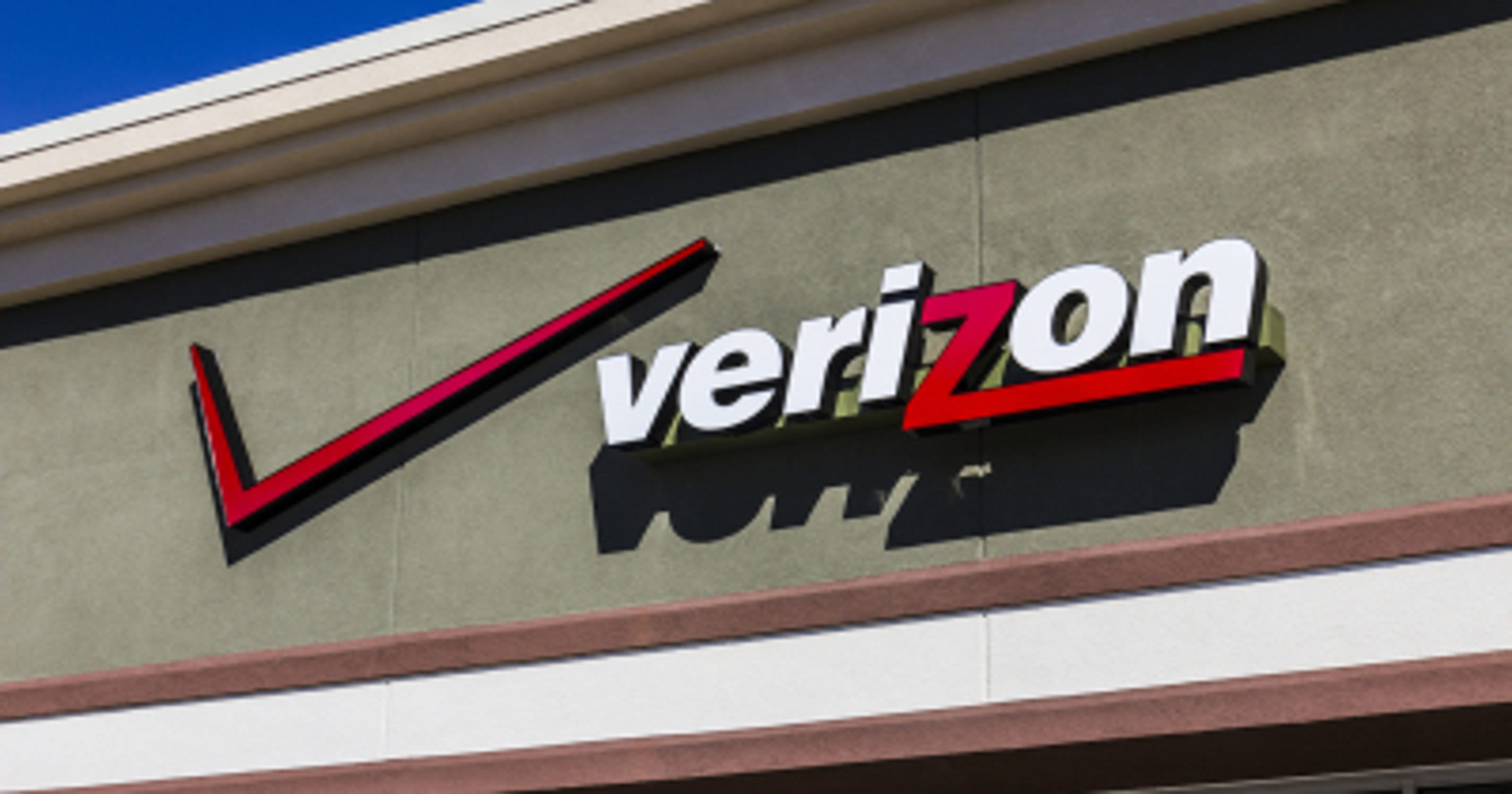 Verizon outage affecting Michigan customers, leading to missed calls, texts