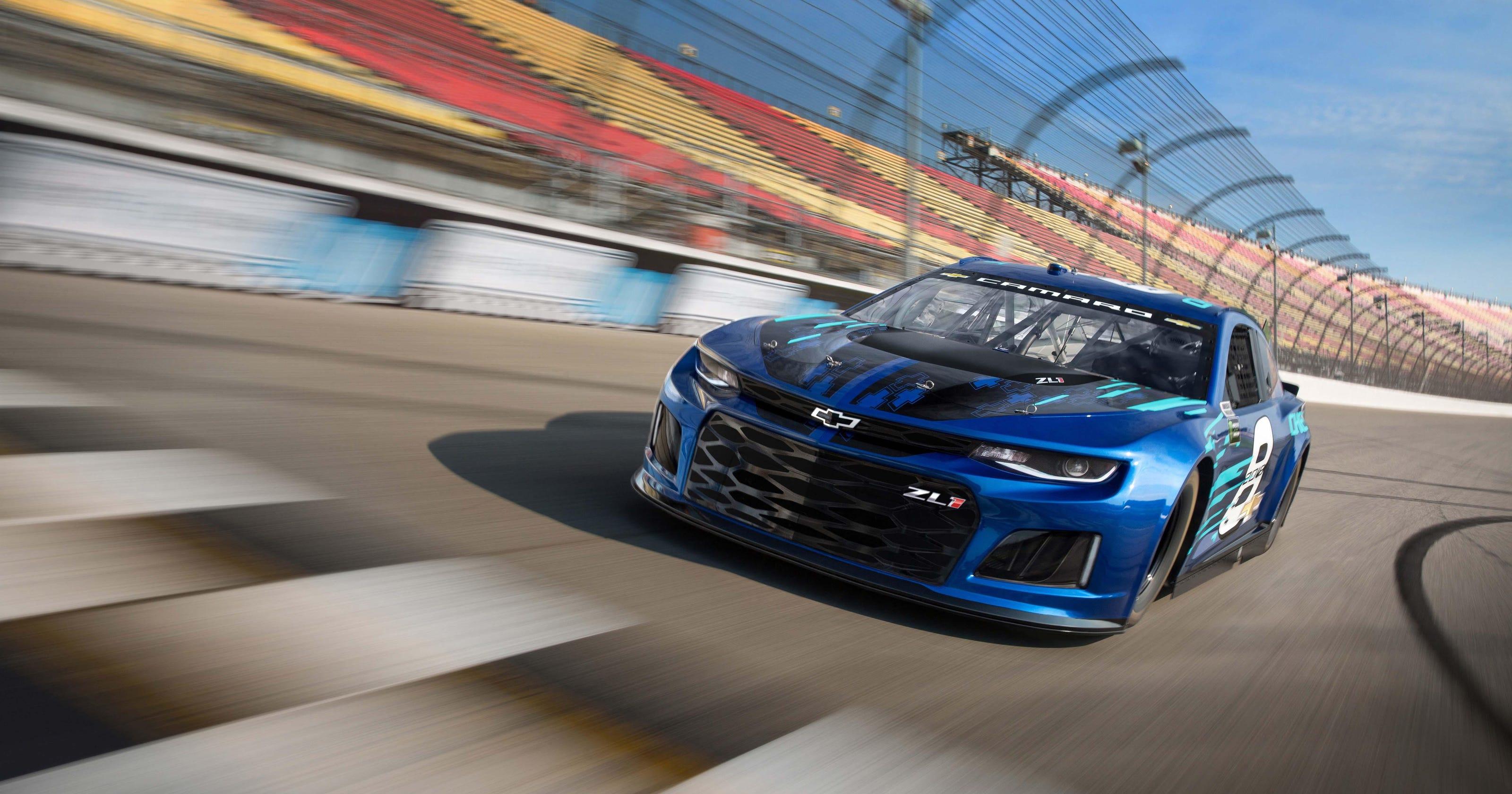 Camaro ZL1 crashes the sedan party at Daytona 500