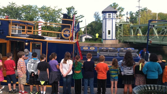 Brockport Central School District fourth graders on their Erie Canal field trip in September 2013. photo by Caurie Putnam
