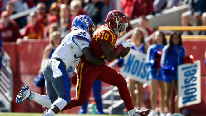 Iowa State's Jauan Wesley (10) makes a catch against Kansas in 2015.