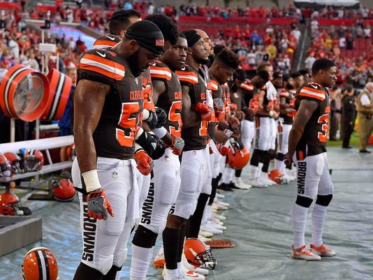 732e021db69 Browns players  Jim Brown didn t tell us what to do during anthem