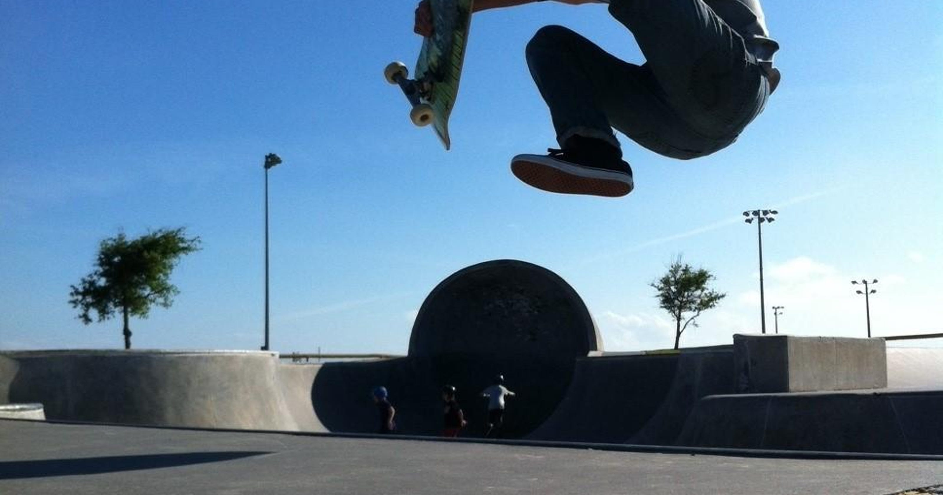 Skateboarders' $5,000 contest reset for Sunday