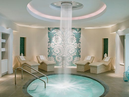 Luxe life forbes travel guide names new 5 star hotels - Eau trouble spa ...