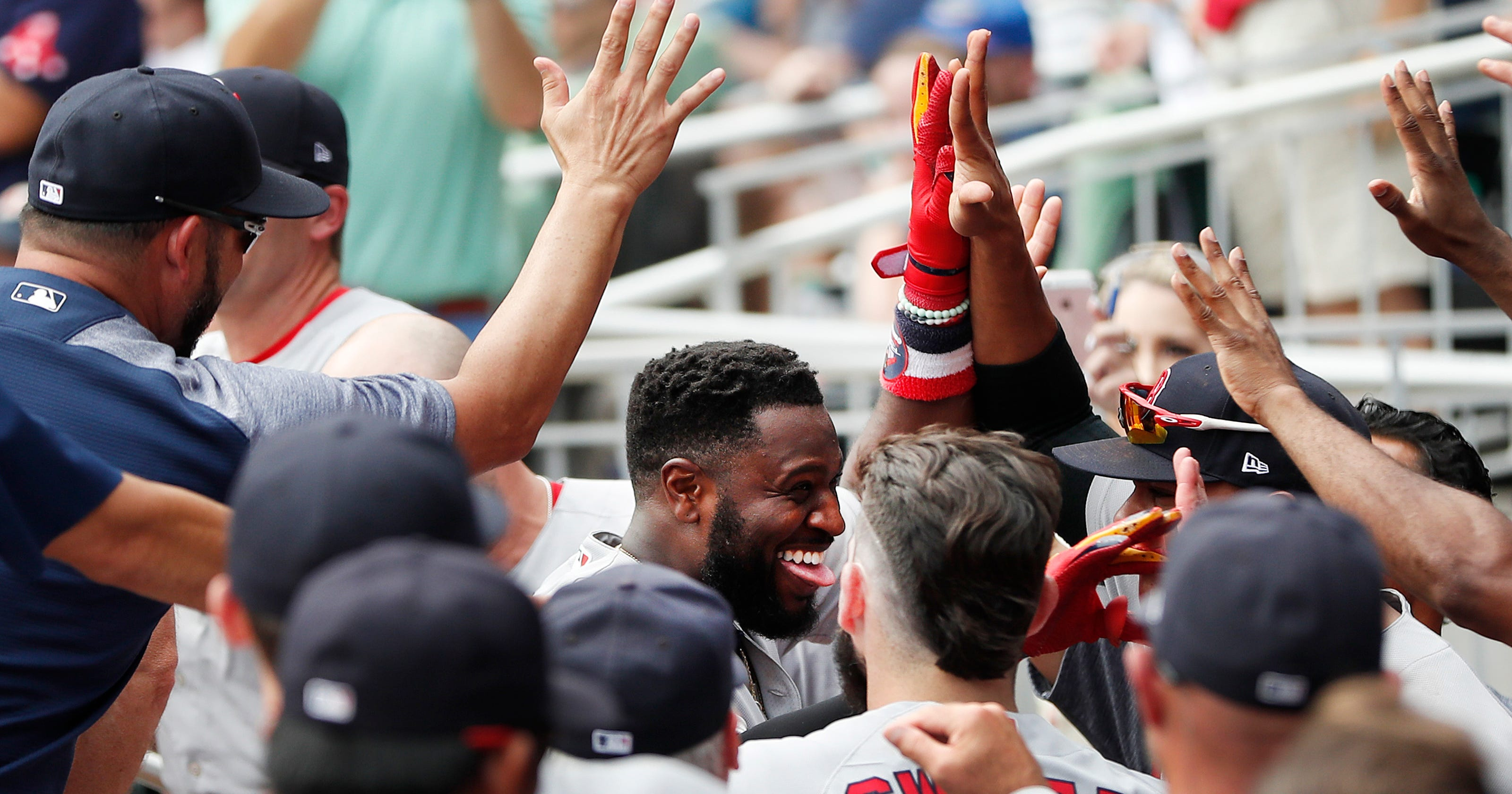 43e98825589 Will ex-Red Brandon Phillips retire after Boston Red Sox left him off  postseason roster