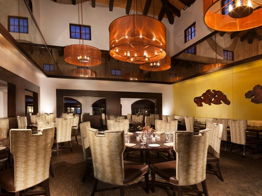 In Rancho Mirage, bluEmber restaruant providing a comfortable dining space.
