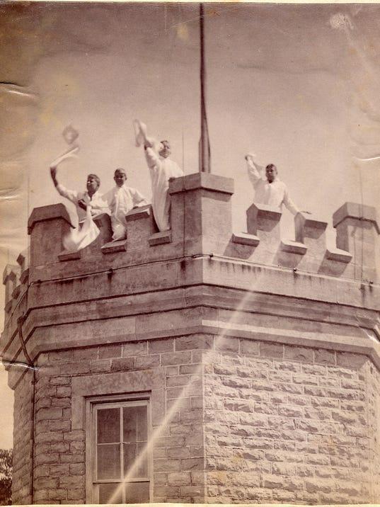 Cooke Castle Vintage 3