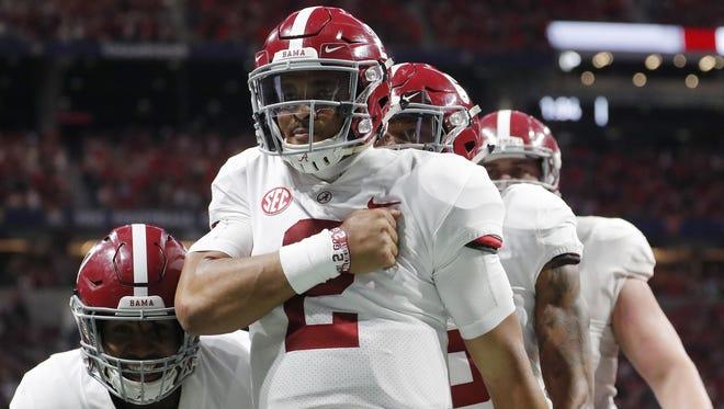 Alabama quarterback Jalen Hurts has decided to transfer to Oklahoma.