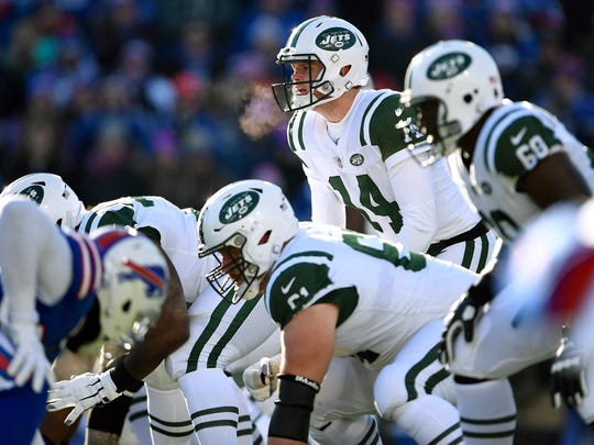 The Jets offensive lineman kept Sam Darnold upright the entire game. (Adrian Kraus-AP)