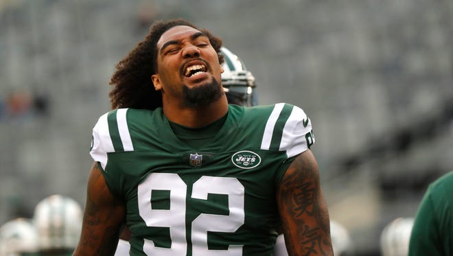 New York Jets' Leonard Williams warms-up before an NFL football game between the Kansas City Chiefs and the New York Jets, Sunday, Dec. 3, 2017, in East Rutherford, N.J. (AP Photo/Julie Jacobson)