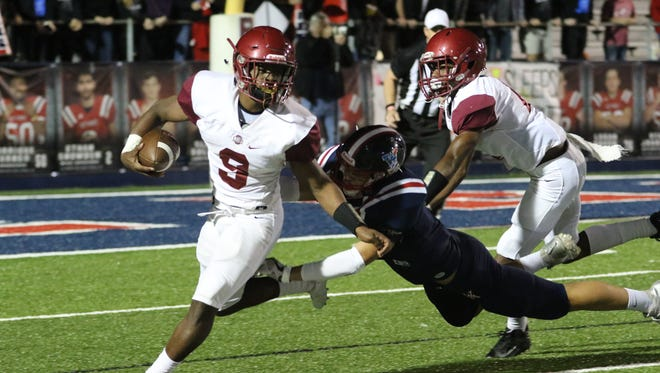 Senior running back Dylan Robers (9) led Ouachita in rushing last season with 1,126 yards and 10 touchdowns on 155 carries.