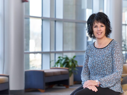 Vicki King shares her own experiences with aneurysms and life-saving neurointerventional surgery with others as a member of Christiana Care's aneurysm support group.