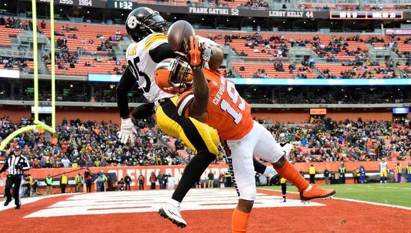 Artie Burns (25) of the Pittsburgh Steelers breaks up a pass intended for Corey Coleman of the Cleveland Browns during the third quarter at FirstEnergy Stadium on November 20, 2016 in Cleveland, Ohio.