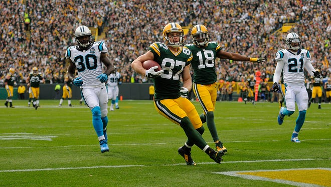 Packers receiver Jordy Nelson (87) scores a touchdown in the first quarter against the Panthers.