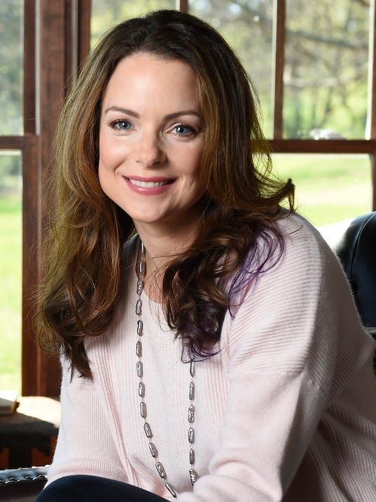 Kimberly Williams-Paisley has written a book about getting to know her ...