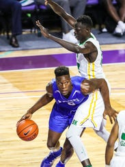 Emmitt Williams, who played last season in the City of Palms for IMG Academy but will make his return with Orlando Oak Ridge.