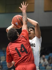 Idaho's Victor Sanders shoots with Southern Utah's