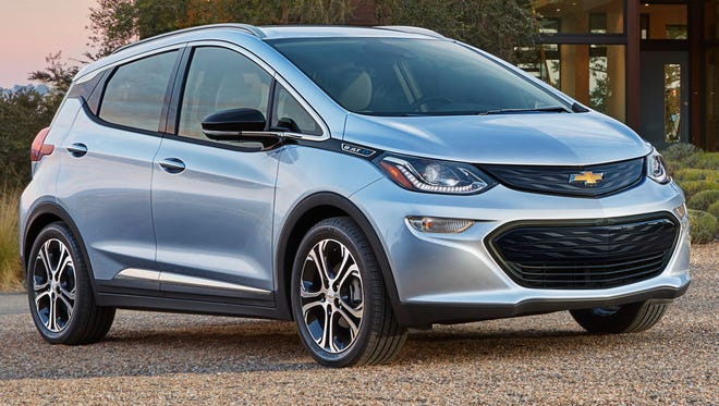 2017 Chevrolet Bolt EV is going to go to ride-hailing service Lyft first.