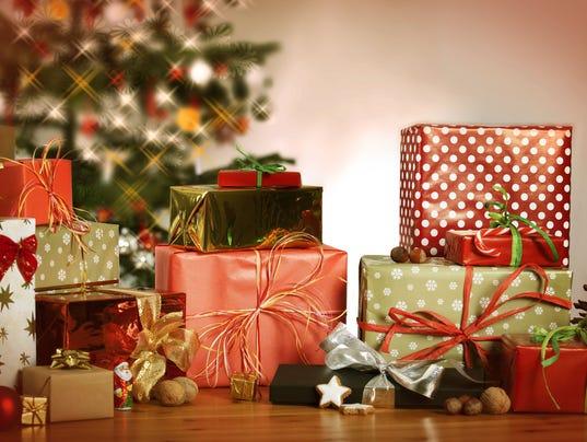 636159399545587564-636143938700356427-Christmas-Presents.jpg
