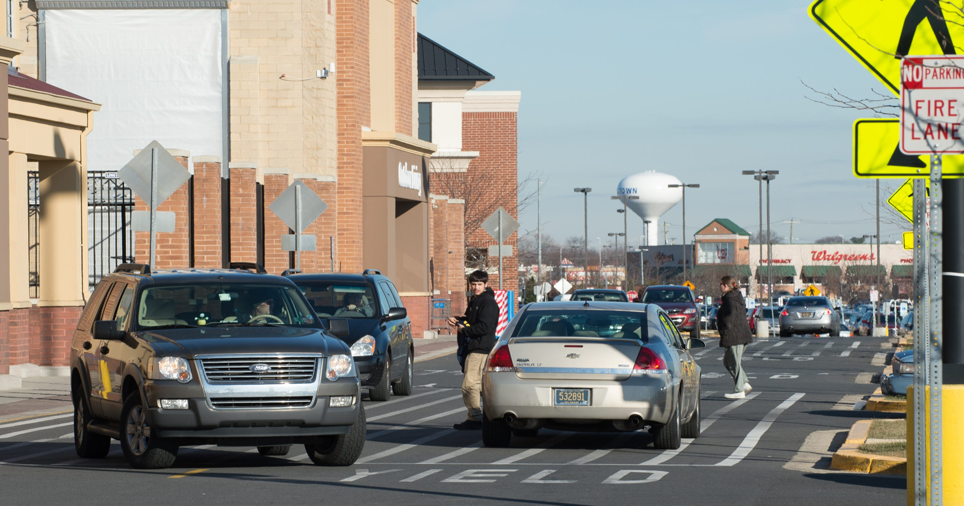 7b45e9137b9 Middletown Walmart re-opened after customers evacuated Sunday afternoon