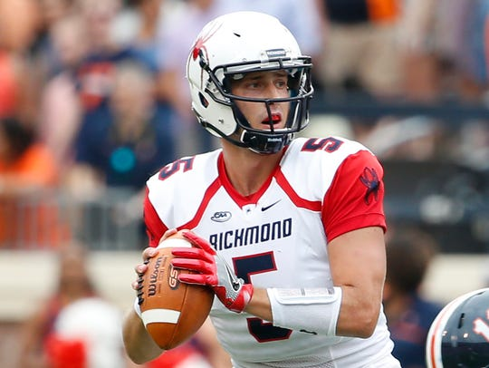 Richmond Spiders quarterback Kyle Lauletta (5) looks