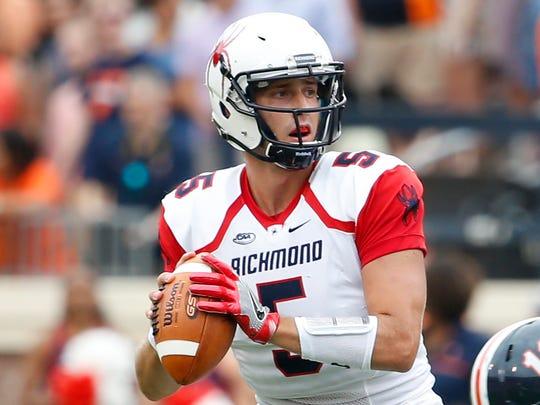 Richmond Spiders quarterback Kyle Lauletta (5) looks