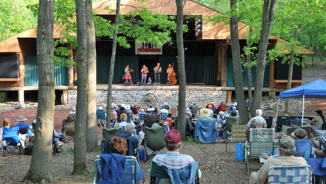 Karen Mueller & Friends perform for the Minnesota Homegrown Kickoff at El Rancho Manana near Richmond in this 2014 Times photo.