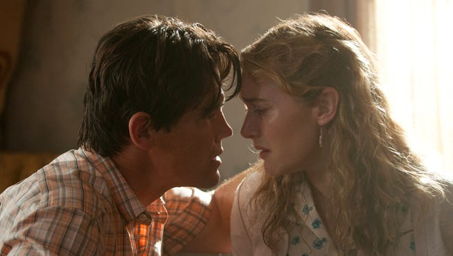 """Josh Brolin and Kate Winslet star in """"Labor Day.""""__"""