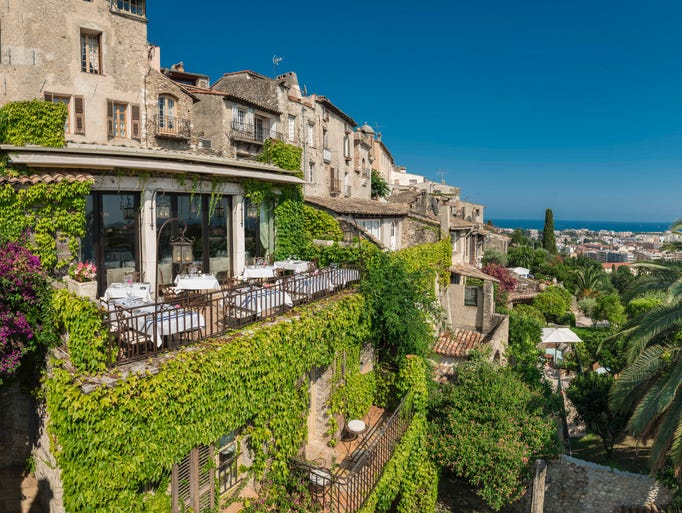 20 of the most beautiful hotels in france for Beautiful hotels