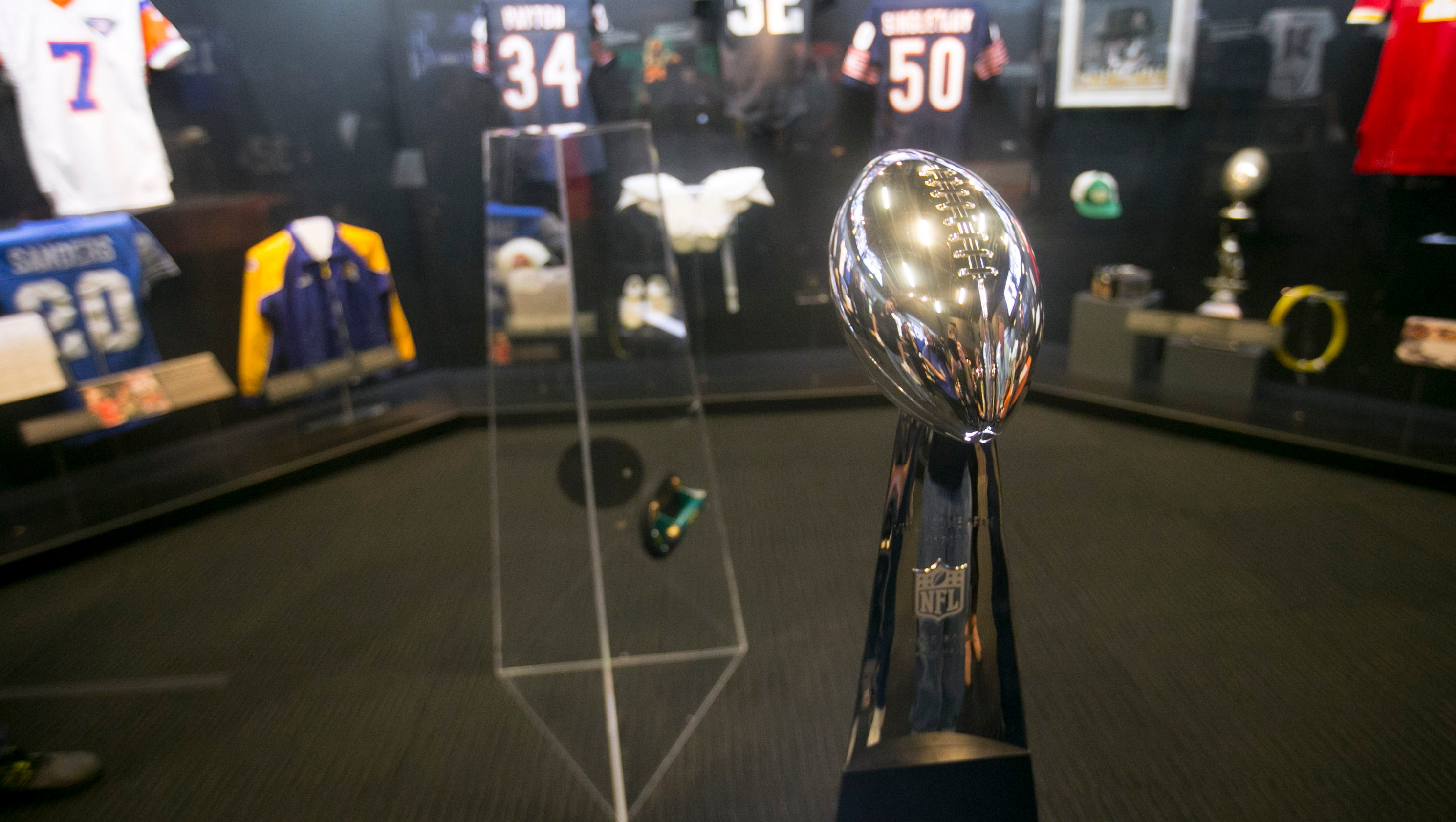 1 24 gridiron glory opens at arizona science center