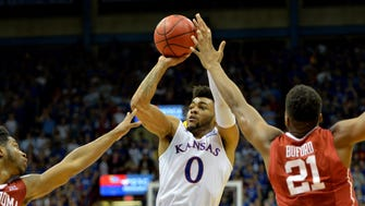 Frank Mason III (0) scored a game-high 23 points for Kansas.