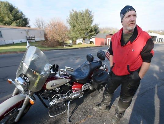 YDR-pmk-121817-fitzgerald no helmet