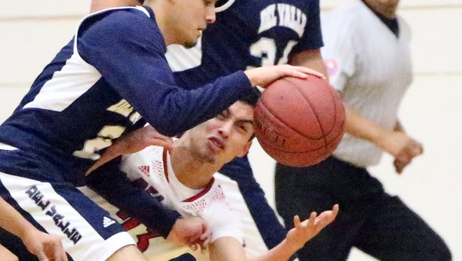 Bel Air hosted Del Valle in a previous boy's prep basketball game. The Conquistadores prevailed over the Highlanders 47-40.