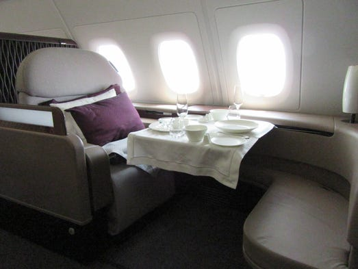 paris air show day 3 showing off new planes hope for the 747. Black Bedroom Furniture Sets. Home Design Ideas