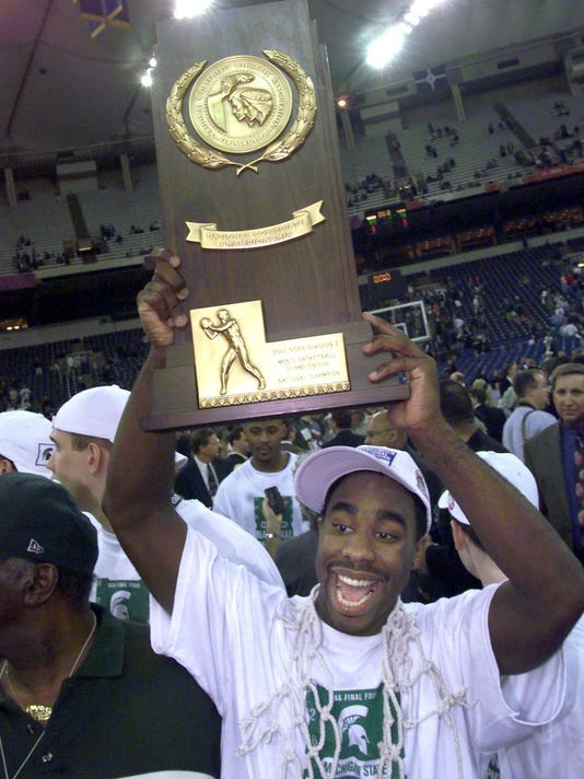 Mateen Cleaves /trophy